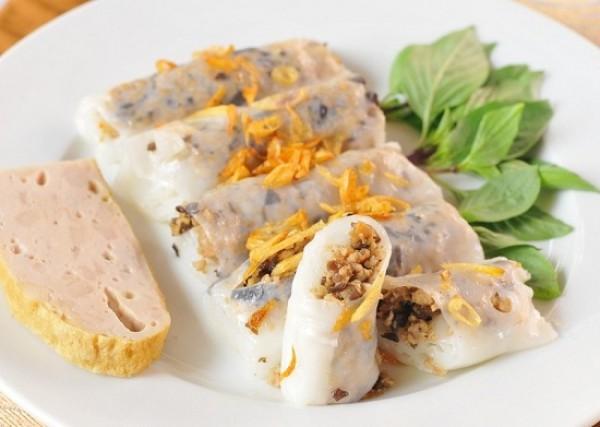 Banh cuon (rolled rice pancake)